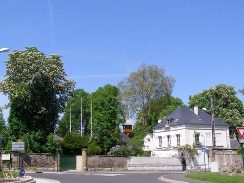 La chapelle vue du rond-point