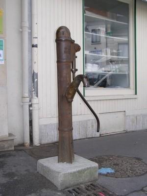 La pompe à bras